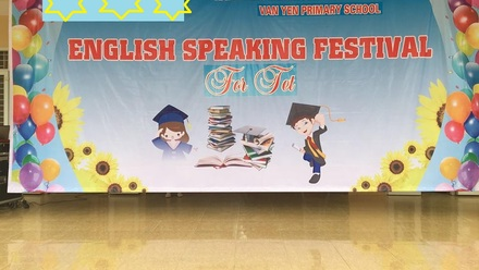 Van Yen Primary school English festival for Tet Holiday